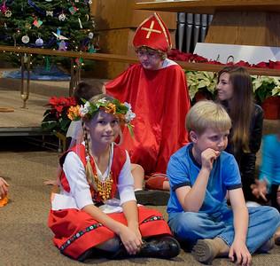 Christmas-program-2010-17