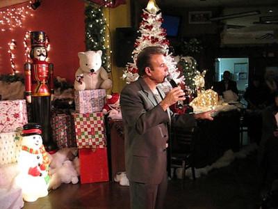 Video-Tony-Sacca-Christmas Show 6 at Josette's Bistro 12-07-08
