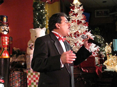 Video-John-Garafalo-Christmas Show 7 at Josette's Bistro 12-07-08