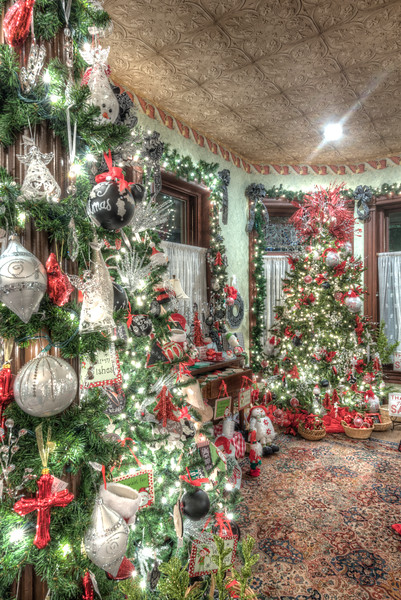 Caswell-Christmas-3993_4_5_6