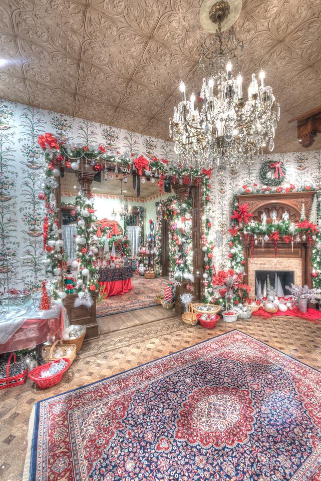Caswell-Christmas-4001_2_3_4_5