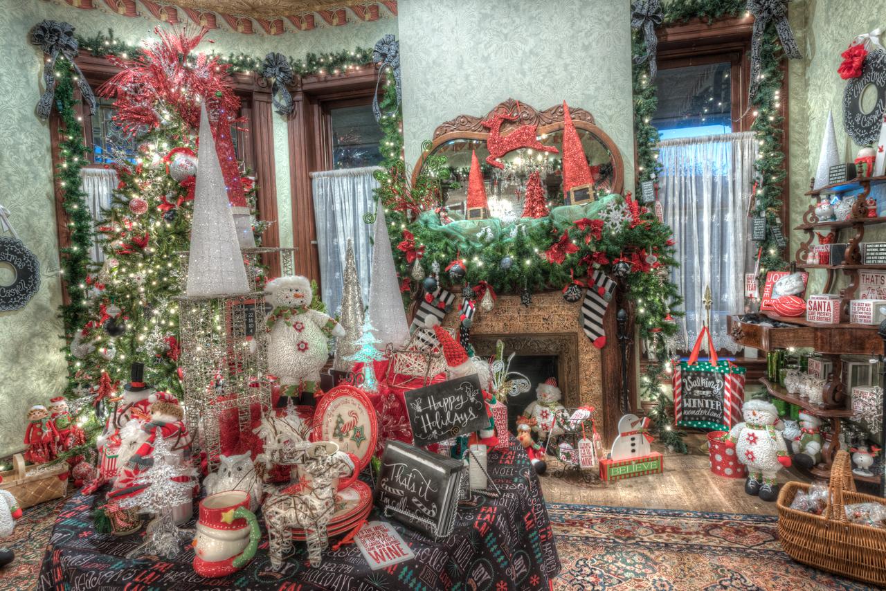 Caswell-Christmas-3982_3_4_5