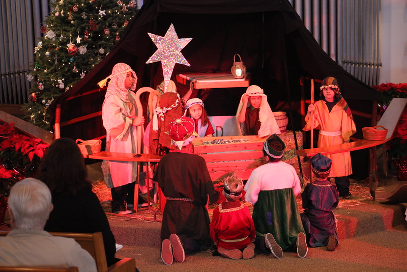 Childrens xmas program-2014-15