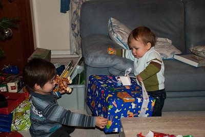 Superhuman strenght when it comes to presents