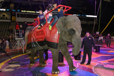 Circus Spectacular @ Sears Centre 02.13.16