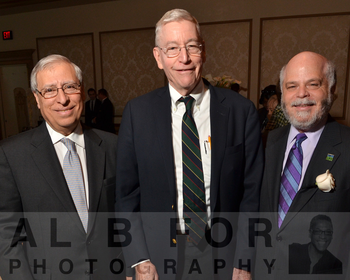 Ali Naji(M.D., PH.D), Clyde Barker(M.D.) with Howard Nathan(Pres. & CEO, Gift of Life)