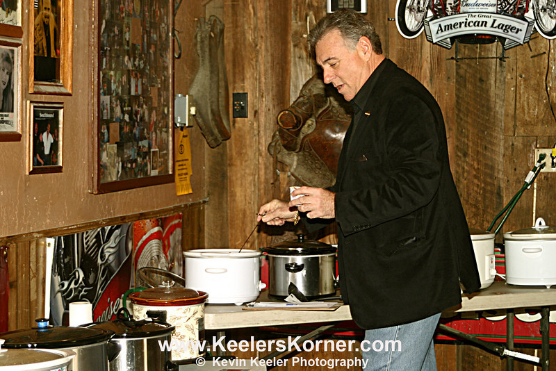 Vice Mayor Howard Geller starting the sampling
