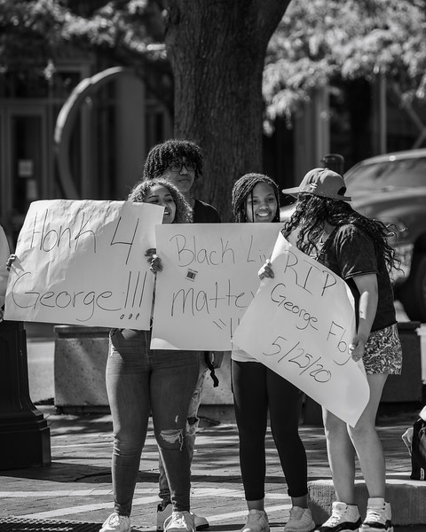 Protestors on Washington Street in Columbus, Indiana, remembering George Floyd. Photo by Tony Vasquez on May 30, 2020.