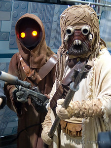 Sand Person and Jawa