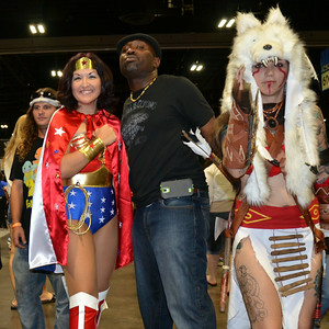Jermaine Hankerson posing with some of the Cos Play talents at Comic Con 2014. Cool Time and Cool People. Can't wait until next year. http://www.hankersonphotopgraphy.com