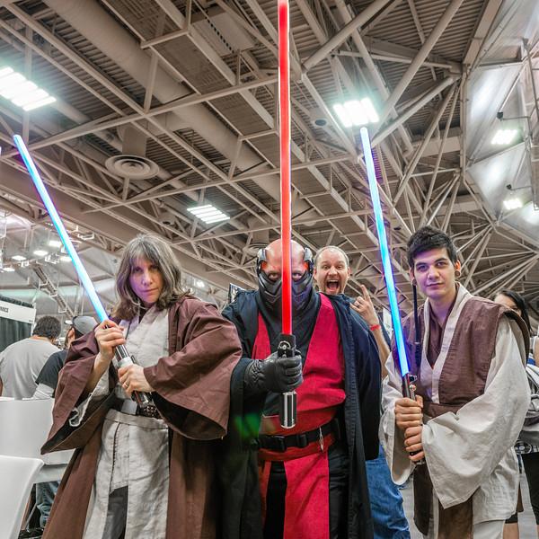 Star Wars Cosplay, Star Wars Costumes, Jedi Knight costumes, Star Wars photobomb, Star Wars Comic Con