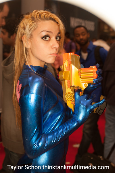 Julie Martino cosplaying Osuit Samus