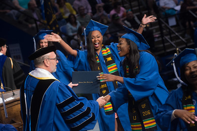Seniors reflect on journey to commencement, look forward to future
