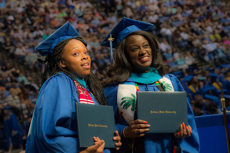 More than 1,700 Sycamores participate in commencement