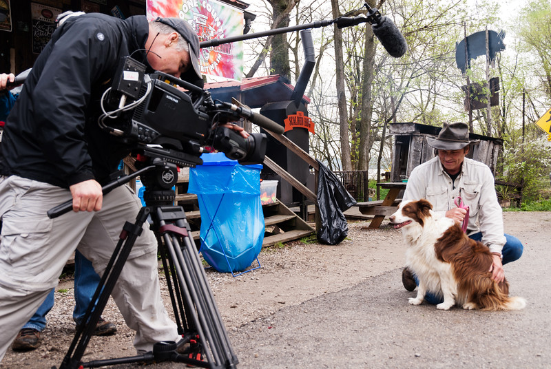 """Mayor Lucy Lou greets Dave Shuffett of Kentucky Life """"Dave Does It"""" show during the KET filming of the Commonwealth Cleanup in Rabbit Hash."""