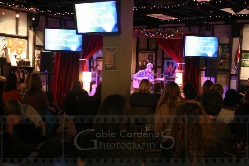 20120323 3074 GabieCardenas_UgroundConcert Canon