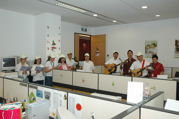 Christmas In Office 05