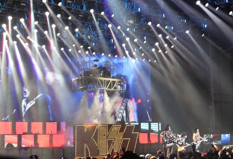 Kiss 9-2-10-15