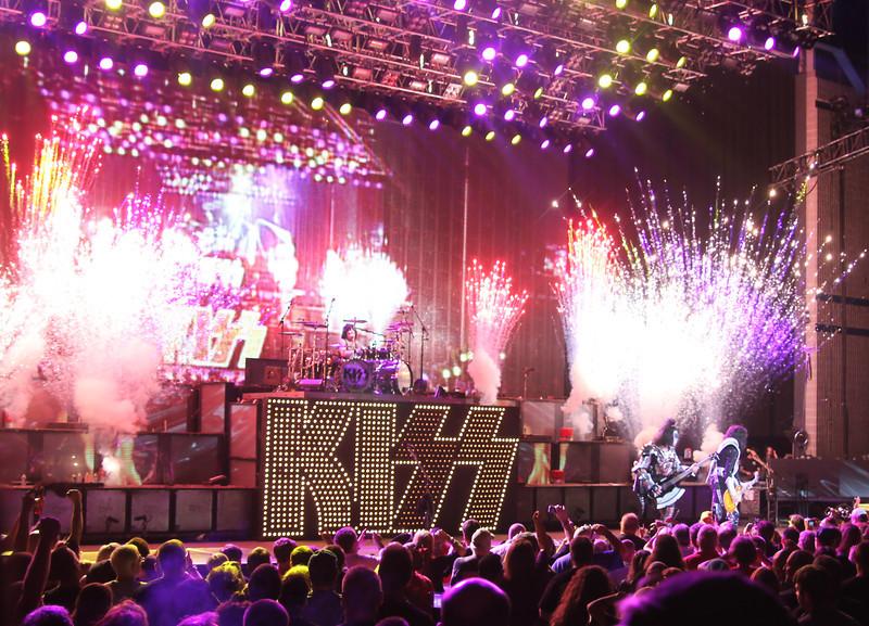 Kiss 9-2-10-14