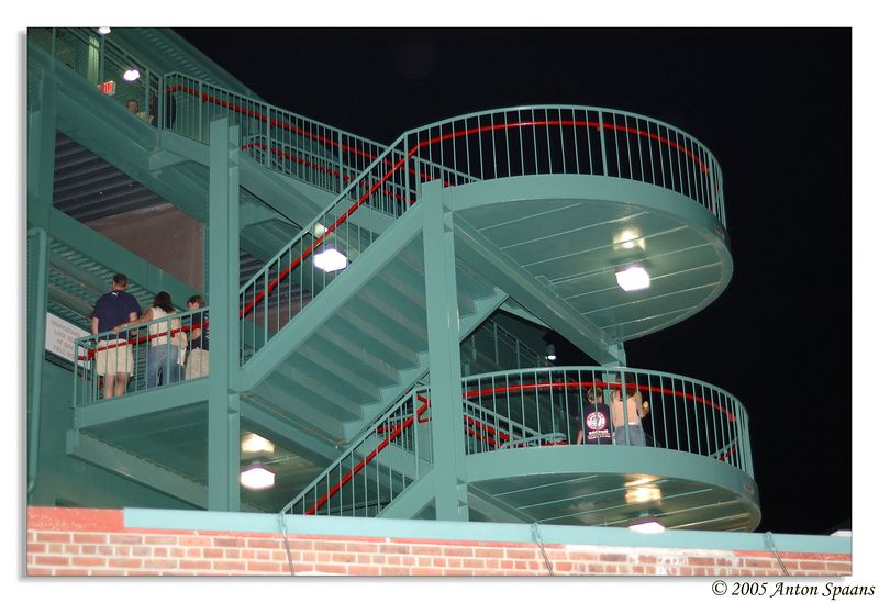Concert-goers on stairs for gate B.