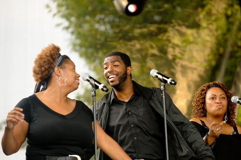 Julia Huff's background vocalists: April Yaw, John Pierce, and Precious Taylor (Coco's neice)