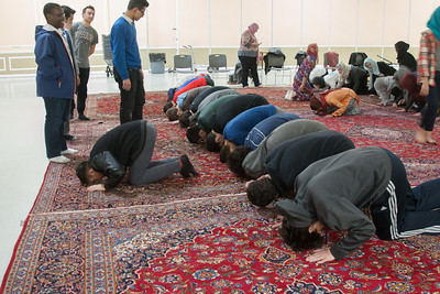 Explaining and demonstrating the rituals of the service -- Beth El 8th grade Upper School students visited the Islamic Center mosque in Rockville, Feb 21, 2017