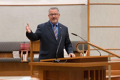 Rabbi Greg Harris welcomes the crowd -- Ron Dermer, Israeli Ambassador to the United States spoke at Congregation Beth El (Bethesda, MD) on October 17, 2017.