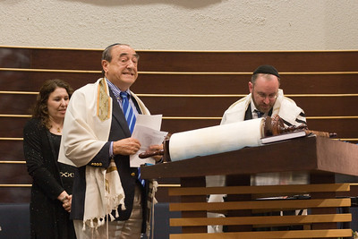Siyum HaTorah -- Beth El's Project 613: Writing a Torah