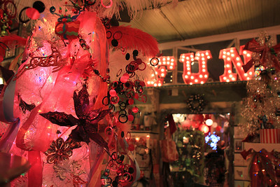 Carriage House Cool Yule, Downtown Howell, MI