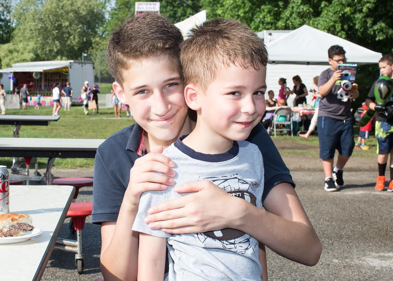 5D3_7475 Kevin and Noah Schilace