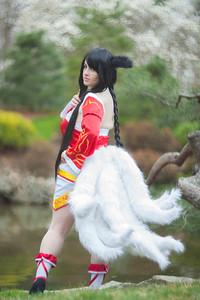 Ichigei Cosplay   Ahri, the Nine-Tailed Fox