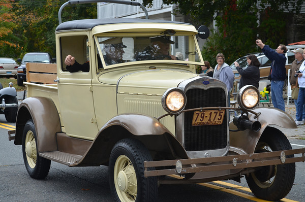 1930 Ford Model A Pick driven by David Ulm.