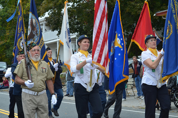 Color Guard by the American Legion Post 52/21.