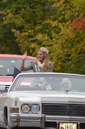 Marie-Lynn Piscitelli, Miss Connecticut USA, in a 1974 Eldorado convertible driven by Jim Rau.