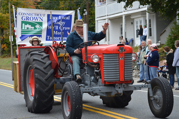 Coventry Agricultural Committee float.