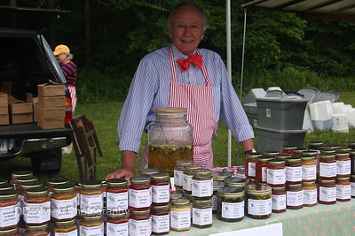 New vendor...and a very charming man, with great samples!  ;-)