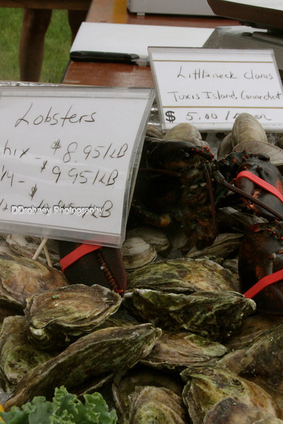 Many different shellfish today...it's so great to have the Fish Market back again this year!
