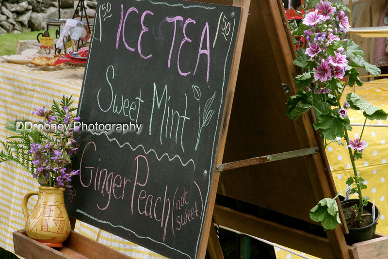 The ladies of Nathan Hale Homestead have been busy...wish I'd had the time to try that Ginger Peach tea as it sounds yummy!