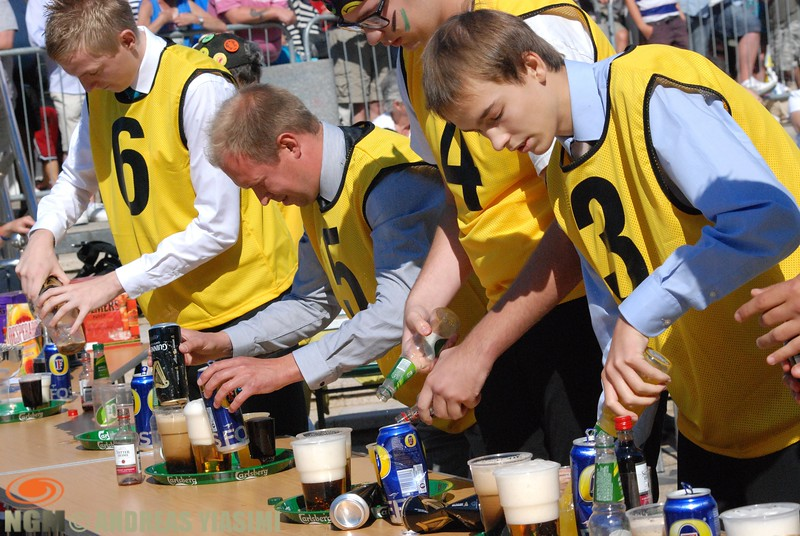 Photographic highlights from the annual waiters' and waitresses' race