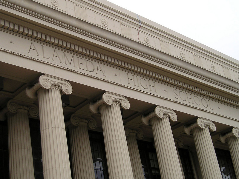 Detail of Alameda High School with its Ionic columns.