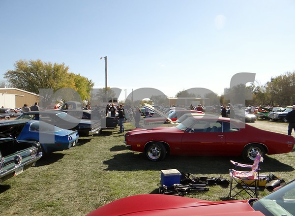 Over 1,500 cars at Cruise to the Woods.