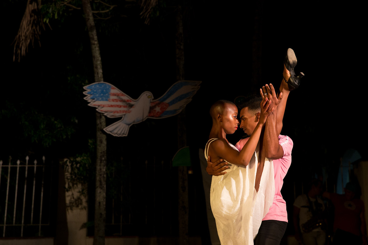 2. Seattle dancer Jade Solomon Curtis performs a duet with Cuban dancer Michel David Hernandez with the Ammonite Youth Dance group in Viñales, Cuba.