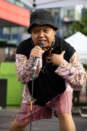 Nic Masangkay performs during the Block Party.