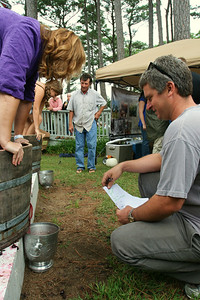 CWF-Grape stomp contestants 1