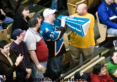 pb_wpc_sharks_fan_109_(Web)