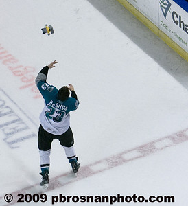 pb_wpc_sharks_fan_119_(Web)