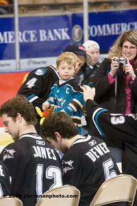 pb_wpc_sharks_fan_127_(Web)