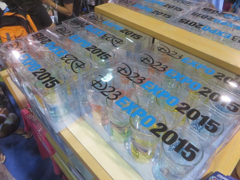 D23 2015 Merchandising , conditions des ventes - Page 11 IMG_0855-L