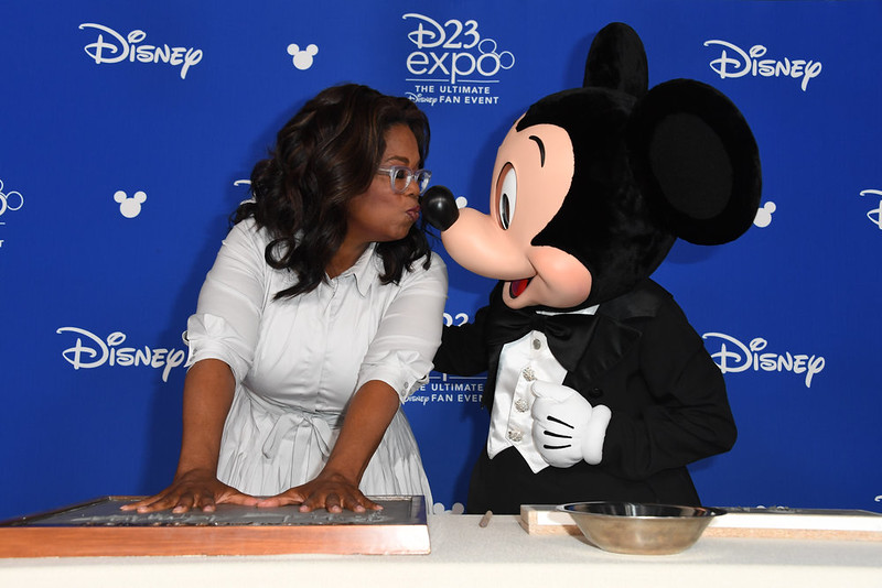 Star-studded bash celebrates #D23Expo Disney Legends class of 2017, Whoopi becomes first ever LEGOT