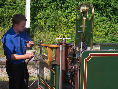 Lighting a cadle with a steam engine